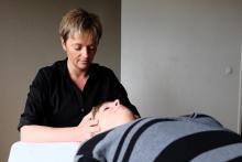 ostéopathie contre maux de tête